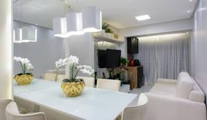Apartamento Moderno: Salas de jantar modernas por Lívio Andrade arquitetura e ambientação