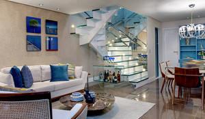 Sala Estar: Salas de estar ecléticas por Milla Holtz Arquitetura