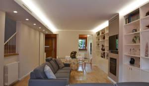 Villa Urbana: Soggiorno in stile in stile Moderno di DCA Studio - Davide Carelli Architetto