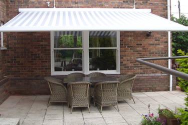 Toldos clot s l terrazas patios y exteriores en - Toldos para patios exteriores ...
