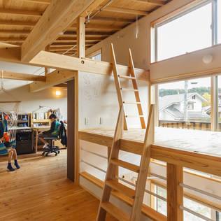 太陽と風と暮らす家: 株式会社 建築工房零が手掛けたtranslation missing: jp.style.子供部屋.eclectic子供部屋です。