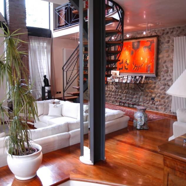 Colonna: Case in stile in stile Eclettico di Paolo Gerosa Design Studio