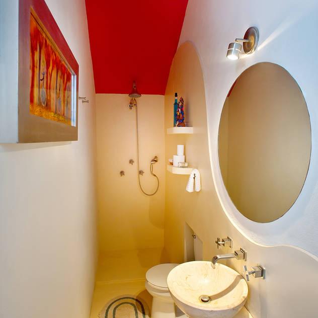 Casas de banho modernas por Taller Estilo Arquitectura