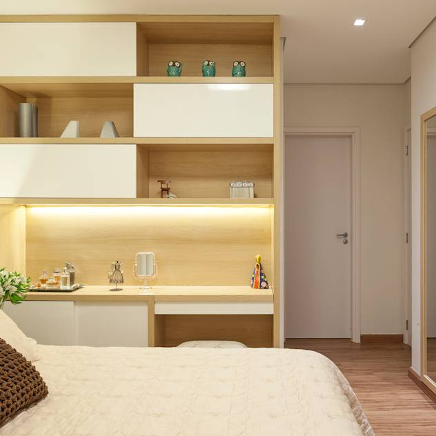 Apartamento .RF: Quartos translation missing: br.style.quartos.moderno por Amis Arquitetura & Design