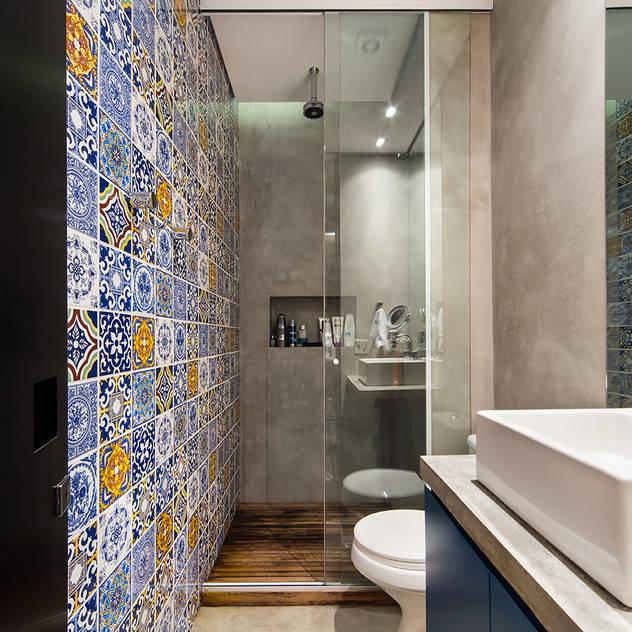 Casas de banho modernas por Casa100 Arquitetura