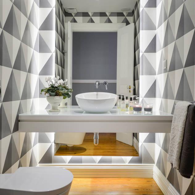 Casa de banho social: Casas de banho modernas por LAVRADIO DESIGN