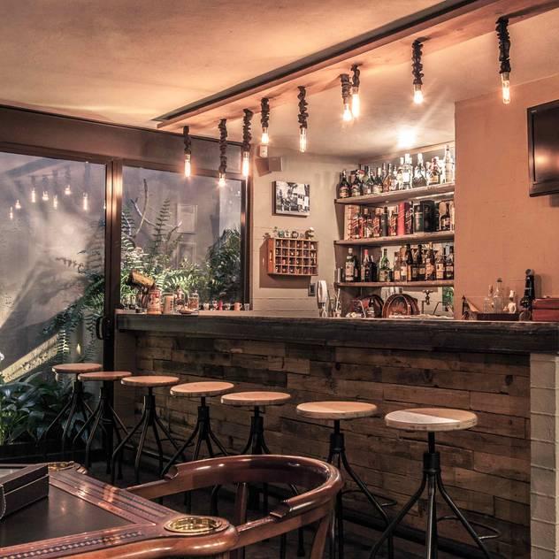 Wohnzimmer mit bar for Bar wohnzimmer