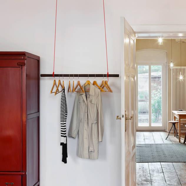 Closets industriais por Birgit Glatzel Architektin