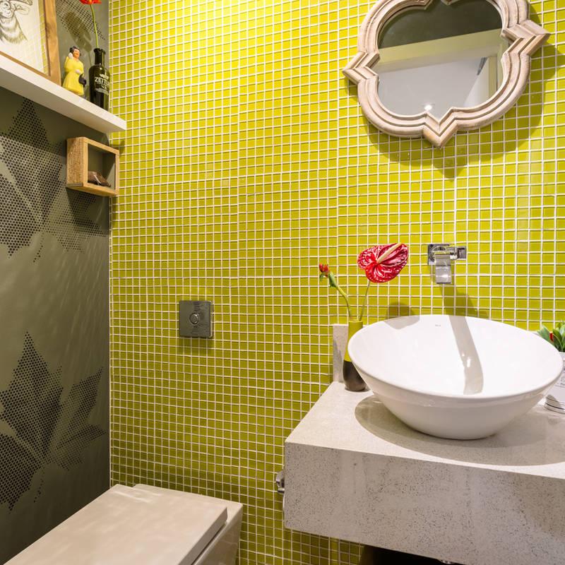 Baños de estilo translation missing: mx.style.baños.eclectico por Motirõ Arquitetos