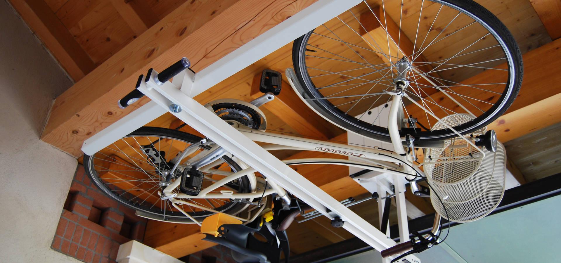flat bike lift other businesses in treviso homify. Black Bedroom Furniture Sets. Home Design Ideas
