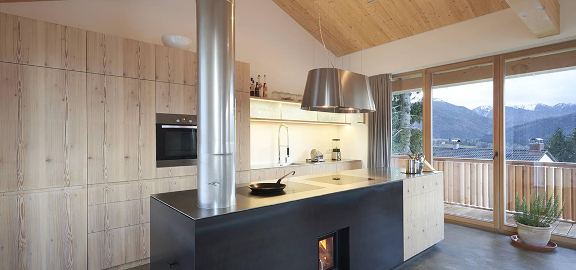 haus in den bergen von peter gl ckner architektur homify. Black Bedroom Furniture Sets. Home Design Ideas