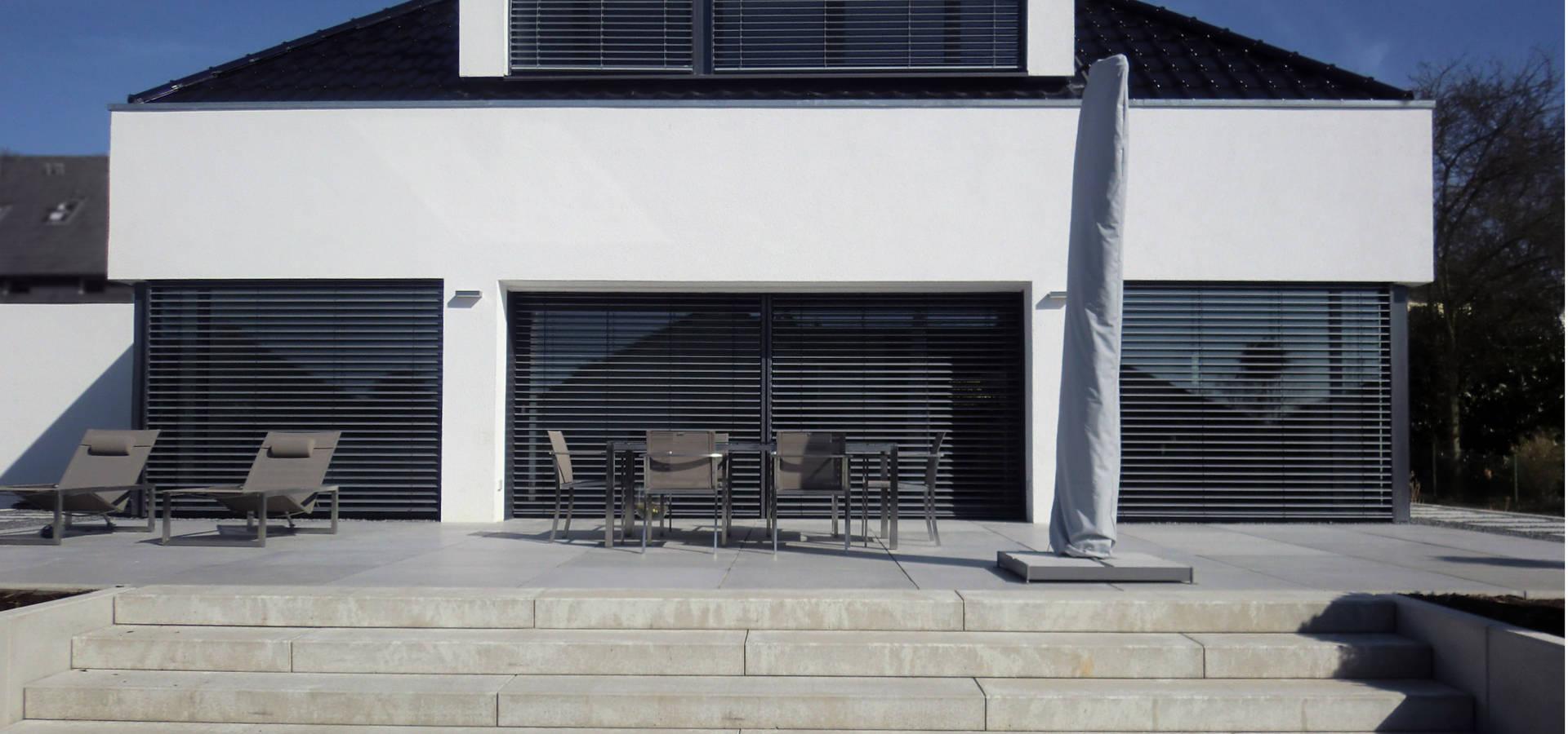 kernsanierung einer ehemaligen kirche zu einem mehrfamilienhaus in bielefeld von gronemeyer. Black Bedroom Furniture Sets. Home Design Ideas