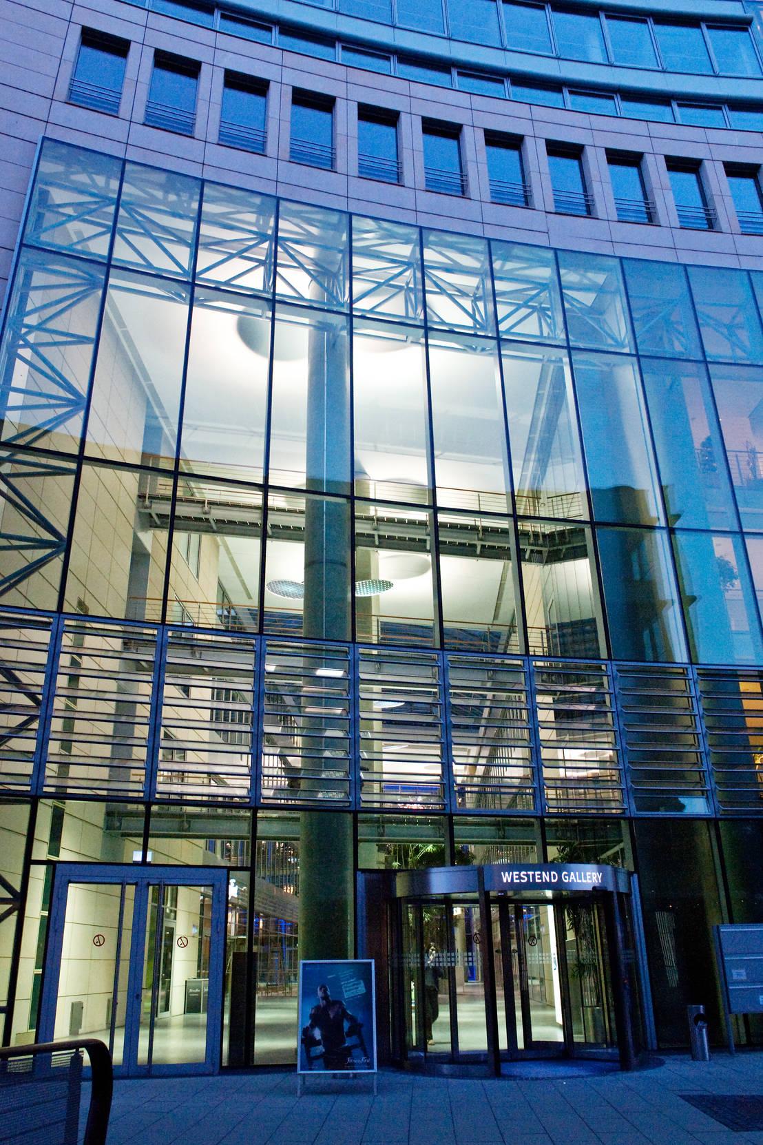 Ligthing interior design die welle frankfurt for Interior design frankfurt
