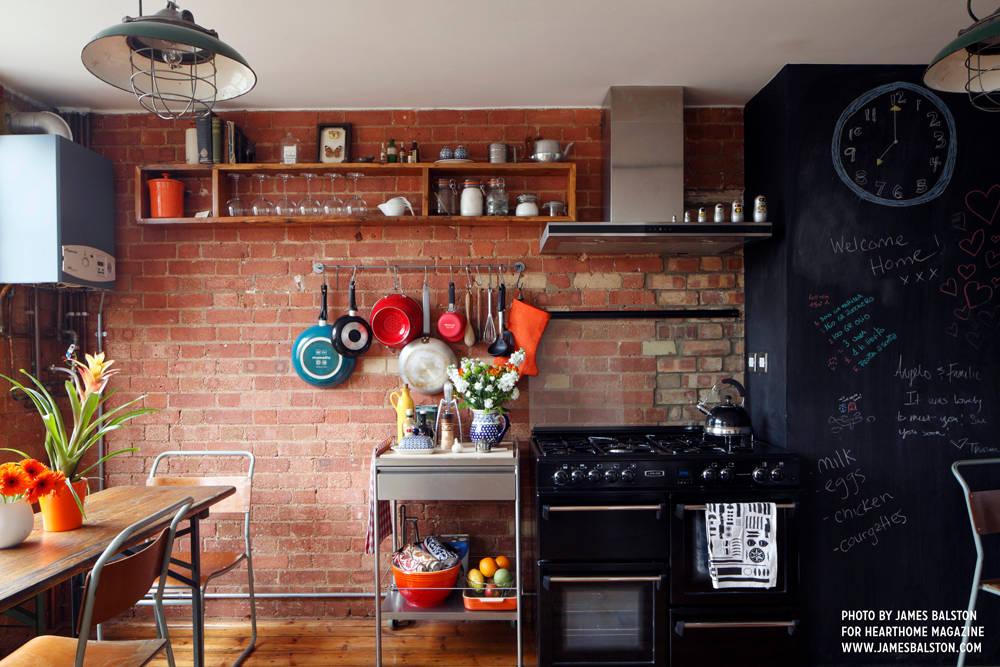 10 cuisines industrielles authenticit et modernit. Black Bedroom Furniture Sets. Home Design Ideas