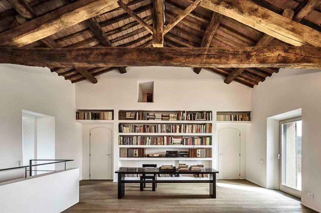 mit freigelegten holzbalken akzente setzen. Black Bedroom Furniture Sets. Home Design Ideas