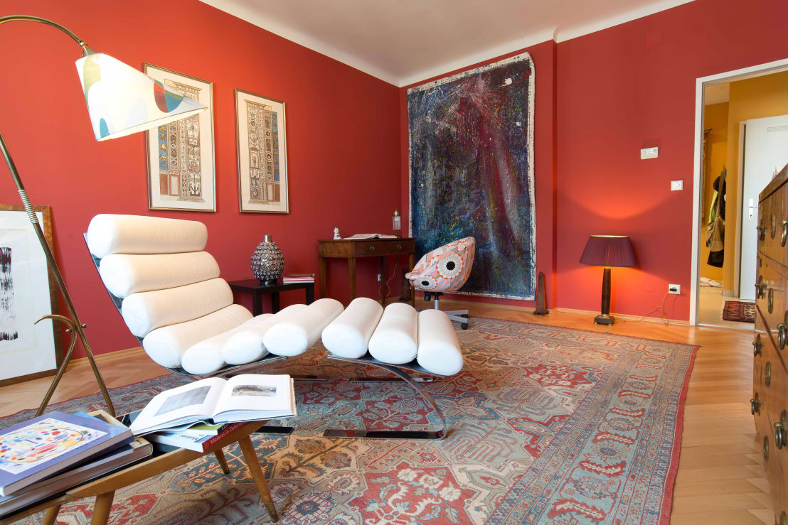 K nstleratelier low budget von elke altenberger interior design consulting homify for Interior decorating consultant