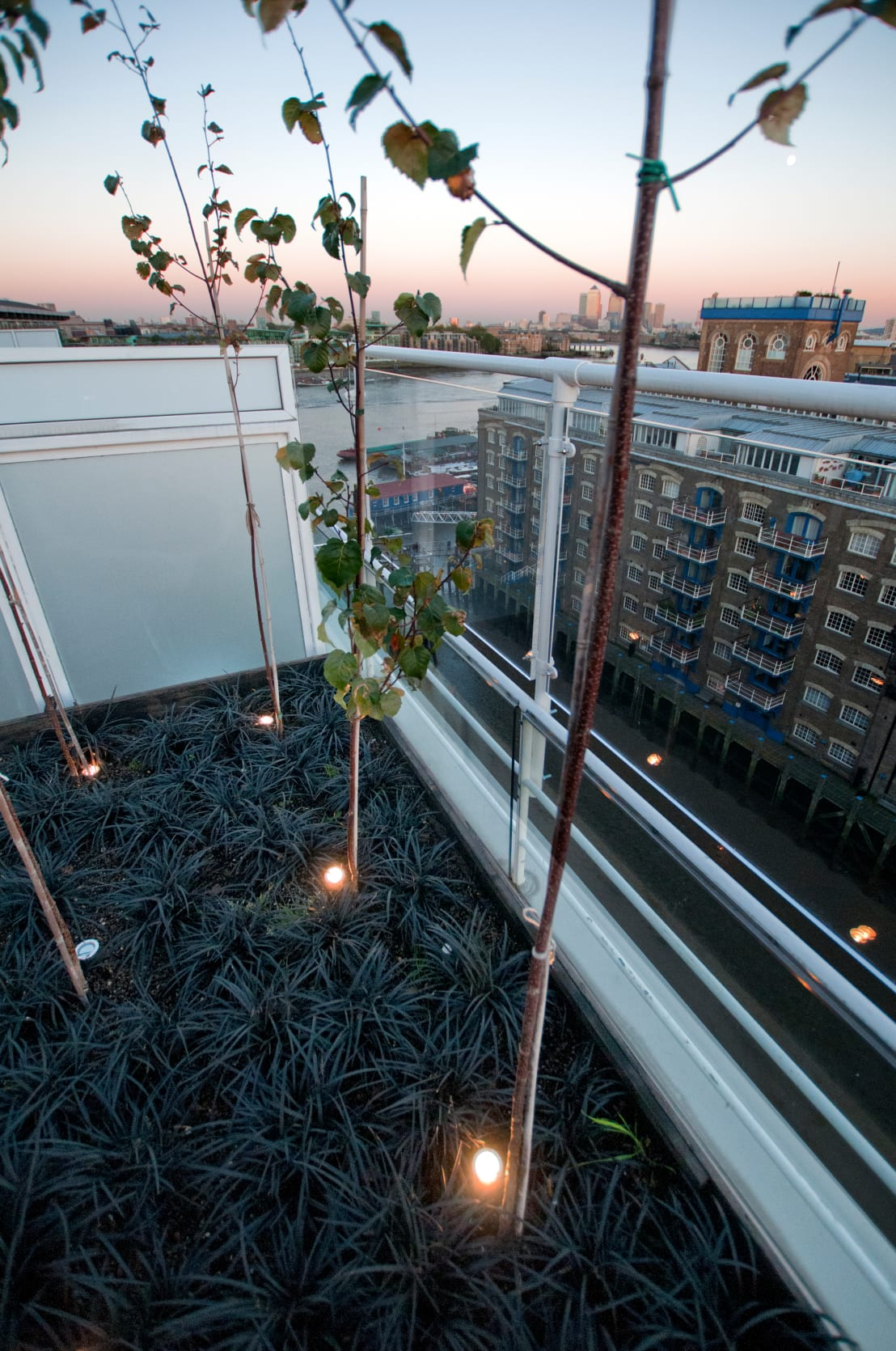 southbank london by urban roof gardens homify. Black Bedroom Furniture Sets. Home Design Ideas