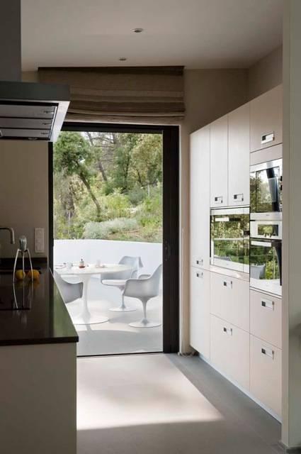 Villa contemporaine de casa architecture homify - Cocinas estilo colonial ...