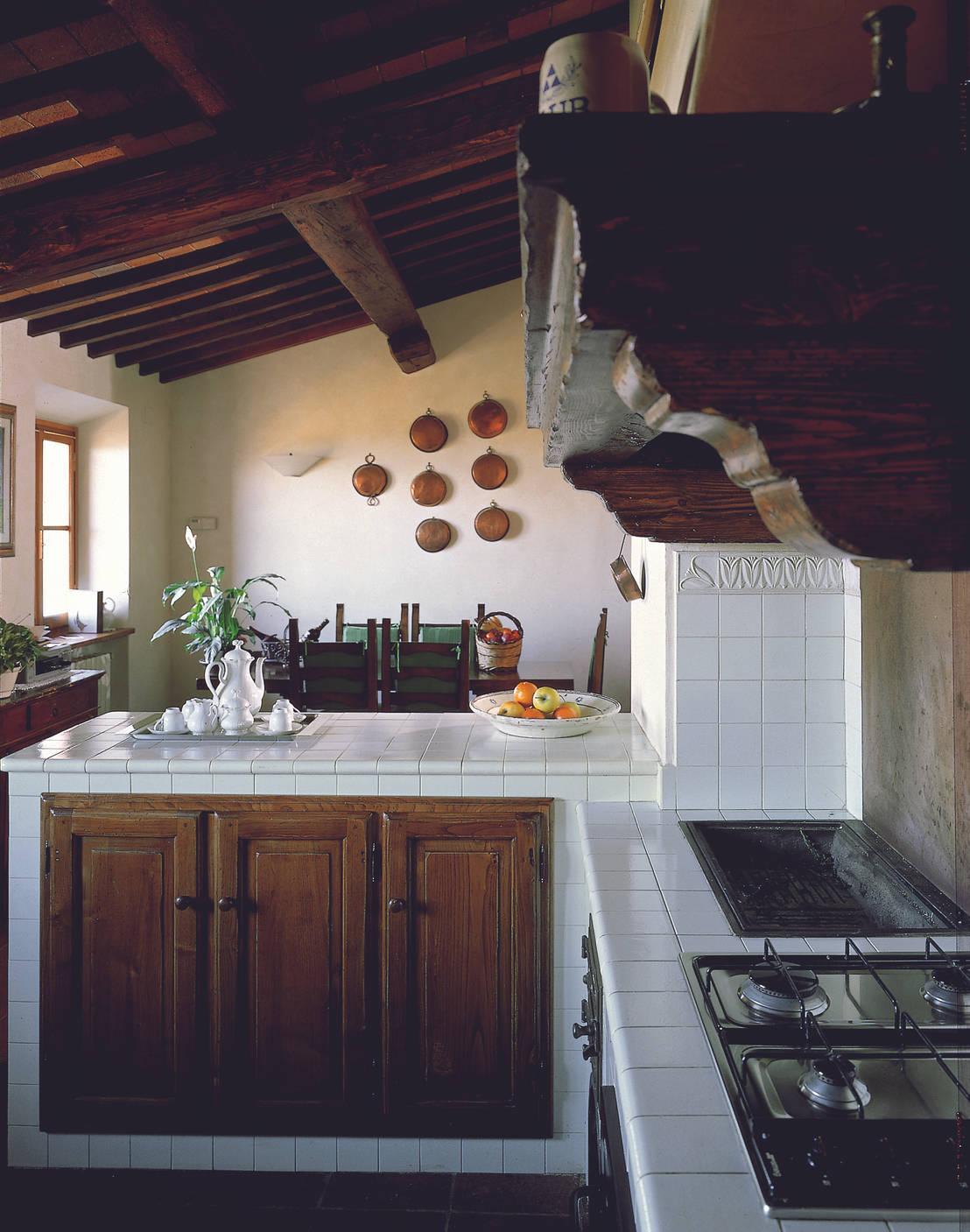 Cucine country chic 10 idee da copiare - Cocinas de obra ladrillo visto ...