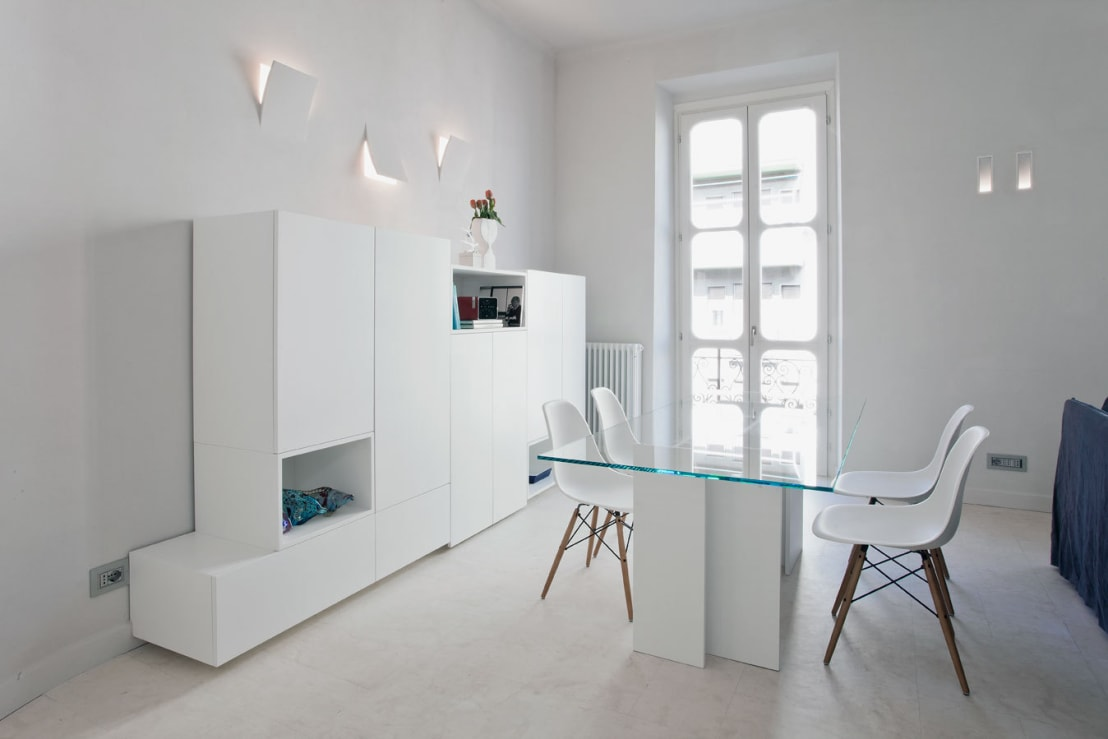 Come avere una casa dall arredamento total white for Casa moderna total white