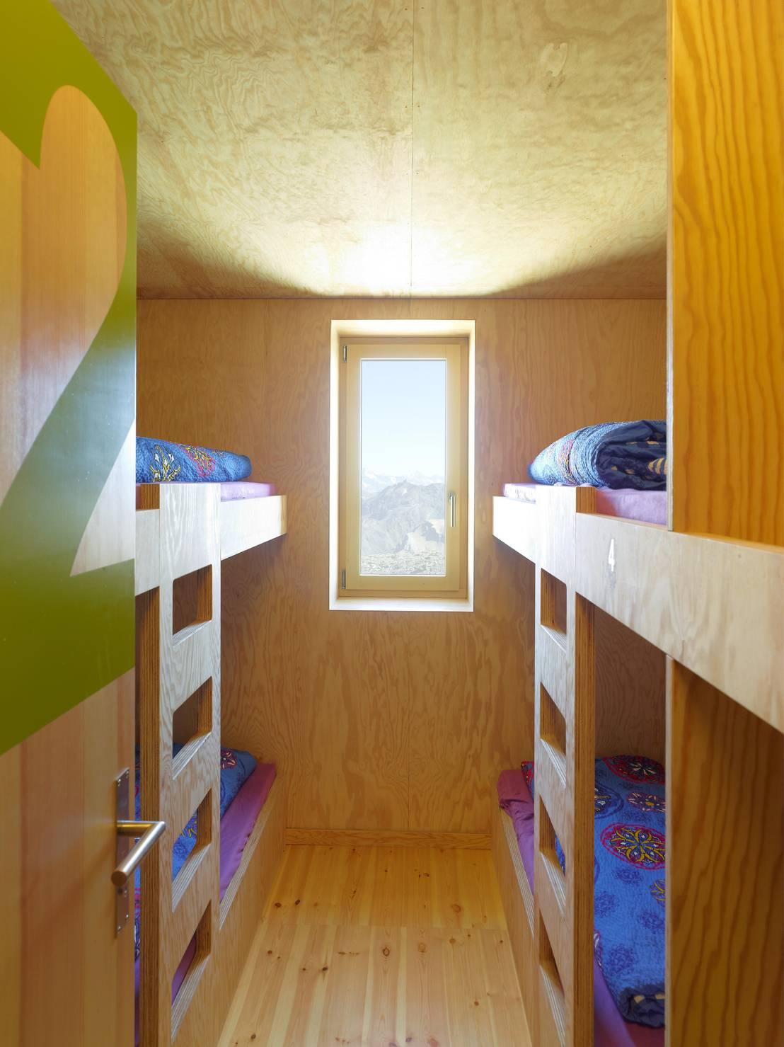 nouvelle cabane de tracuit di savioz fabrizzi architectes homify. Black Bedroom Furniture Sets. Home Design Ideas