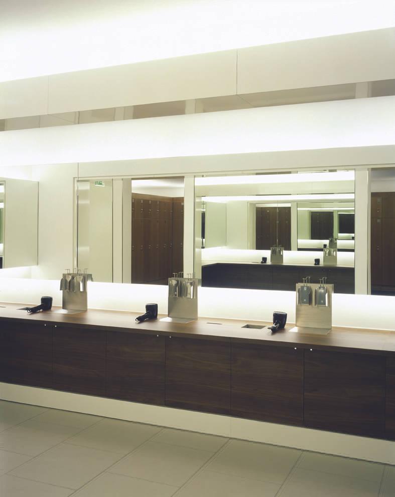 holmes place k ln door sehw architektur gmbh homify. Black Bedroom Furniture Sets. Home Design Ideas
