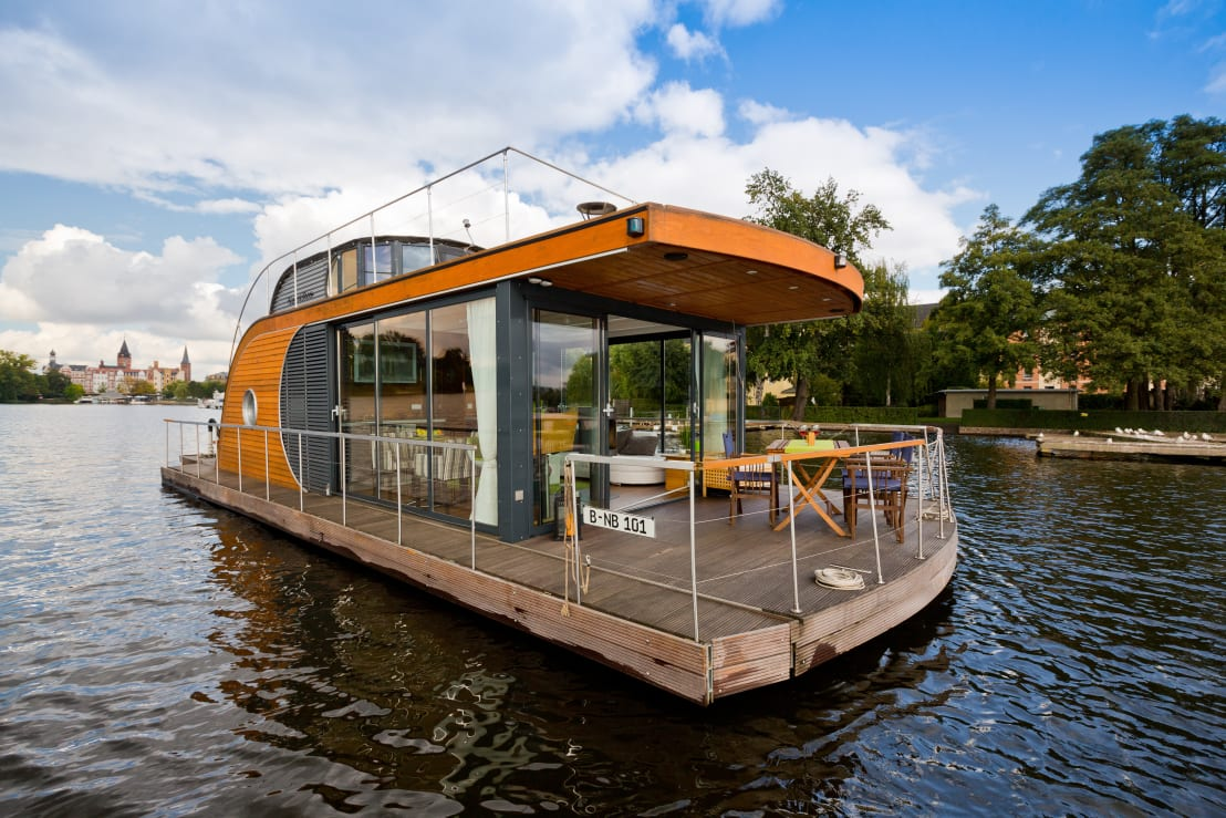Vivir sobre el agua la historia de una casa flotante for Creador de casas