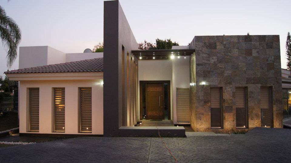 Una casa moderna y econ mica for Casa moderna economica