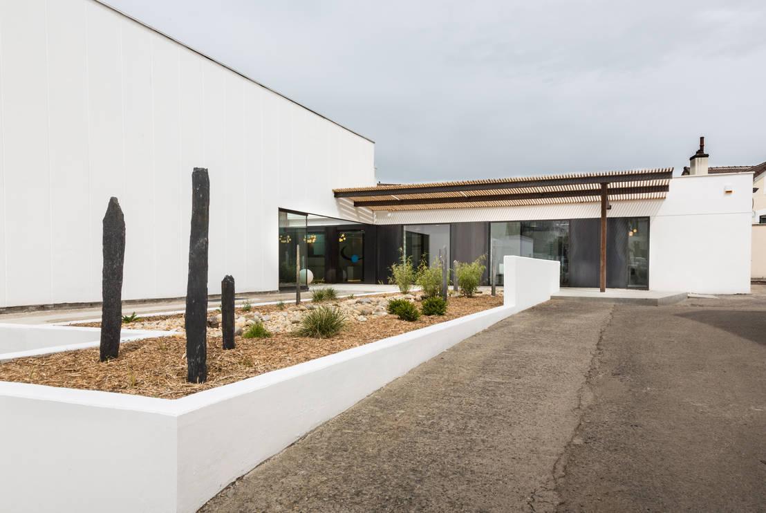 un cabinet comme un jardin d 39 hiver por agence d 39 architecture int rieure laurence faure homify. Black Bedroom Furniture Sets. Home Design Ideas