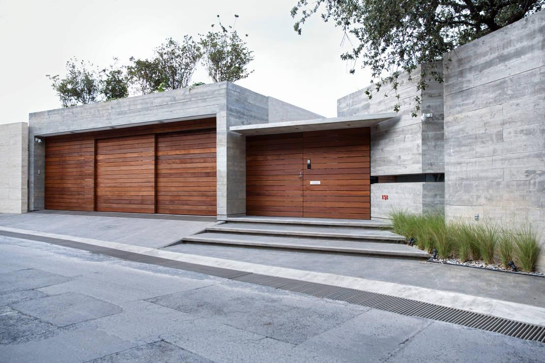 10 casas de concreto modernas y sensacionales for Fachadas de casas modernas con zaguan