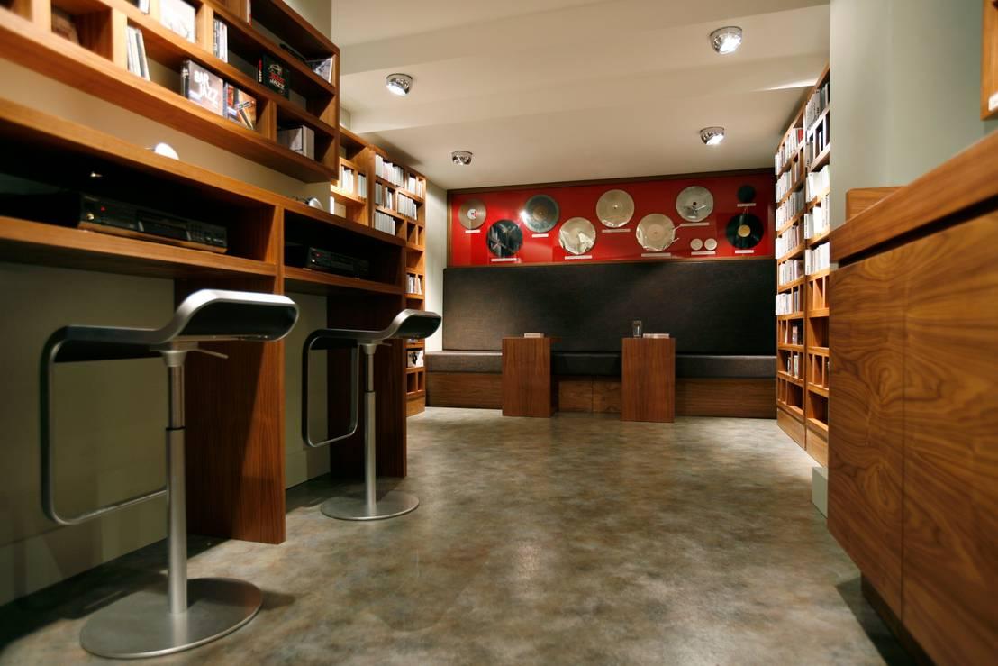 eva lorey innenarchitektur cd laden im goethehaus homify. Black Bedroom Furniture Sets. Home Design Ideas