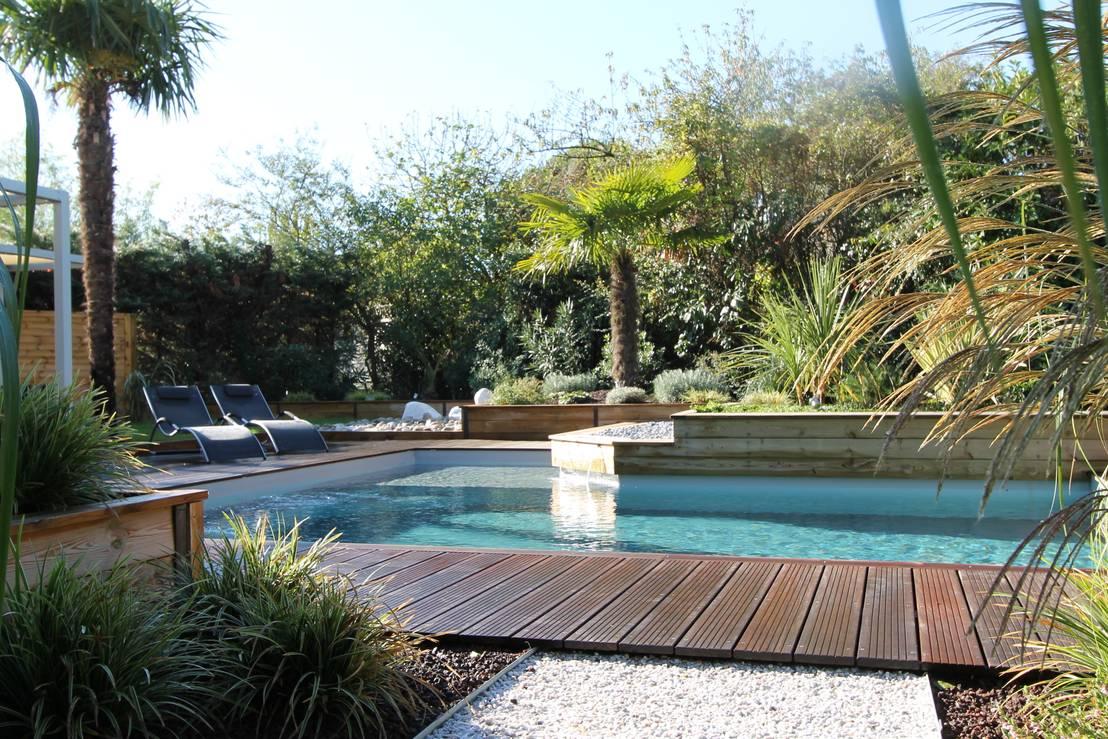 bureau d 39 etudes jardins kael cr ation d 39 un jardin avec piscine homify. Black Bedroom Furniture Sets. Home Design Ideas