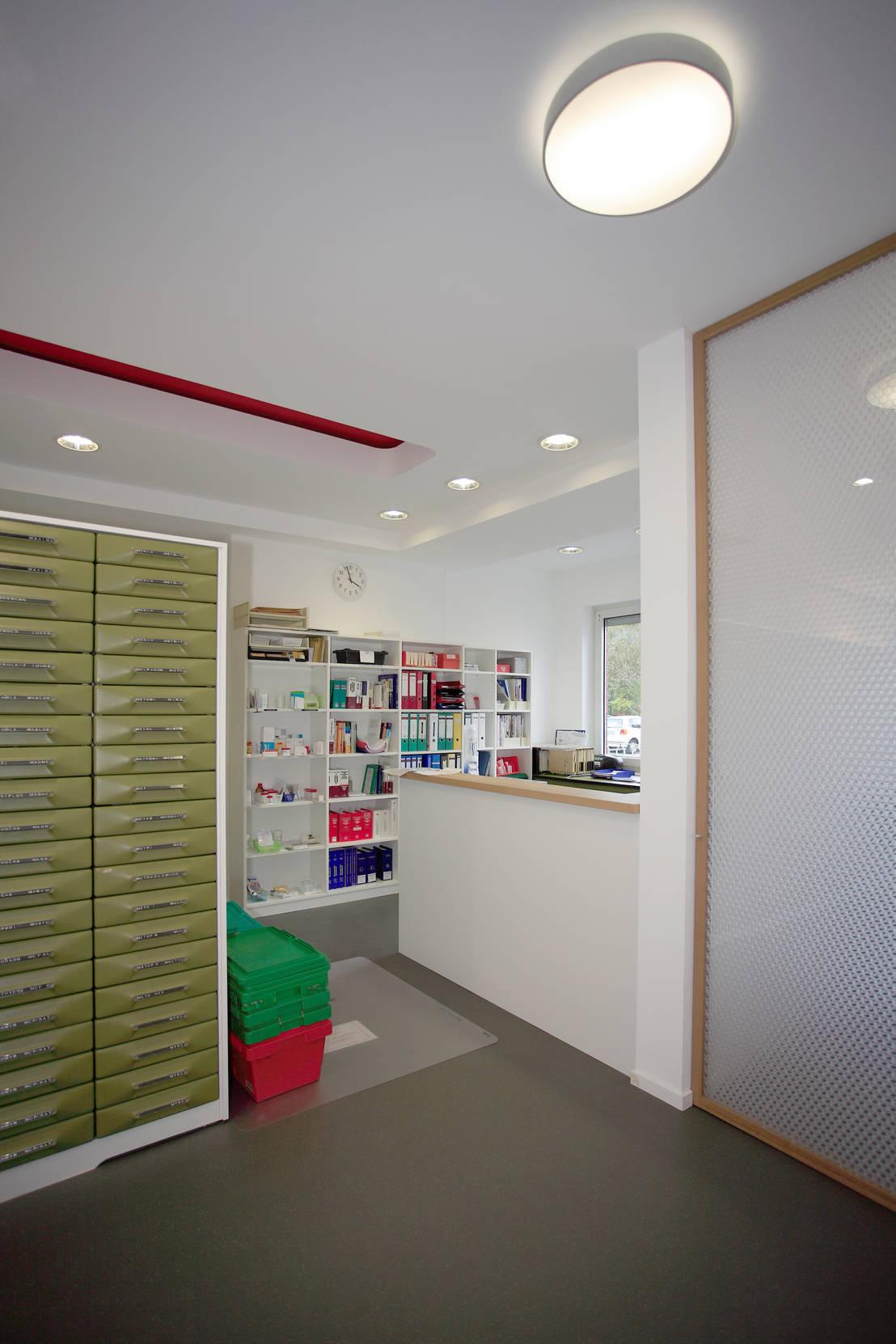 sofia apotheke de architekturb ro buhrdorf homify. Black Bedroom Furniture Sets. Home Design Ideas