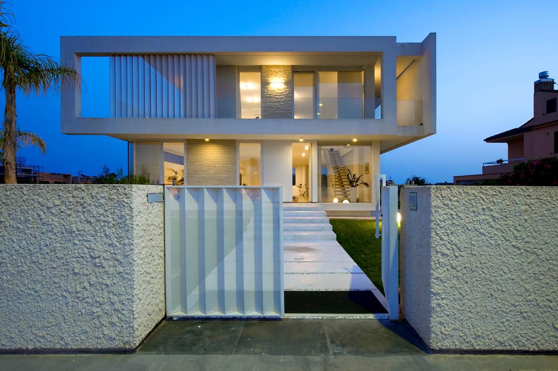 Homify 360 moderne villa auf sizilien for Ville giardini moderni
