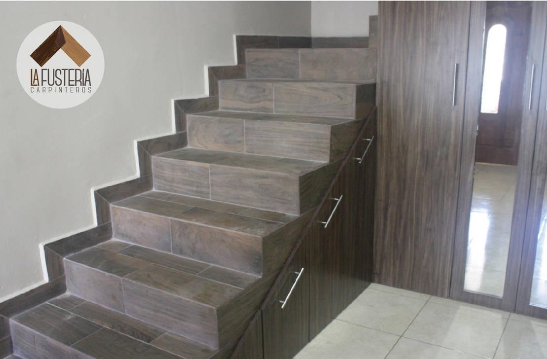 Stair closet de la fuster a carpinteros homify for Closet en escaleras