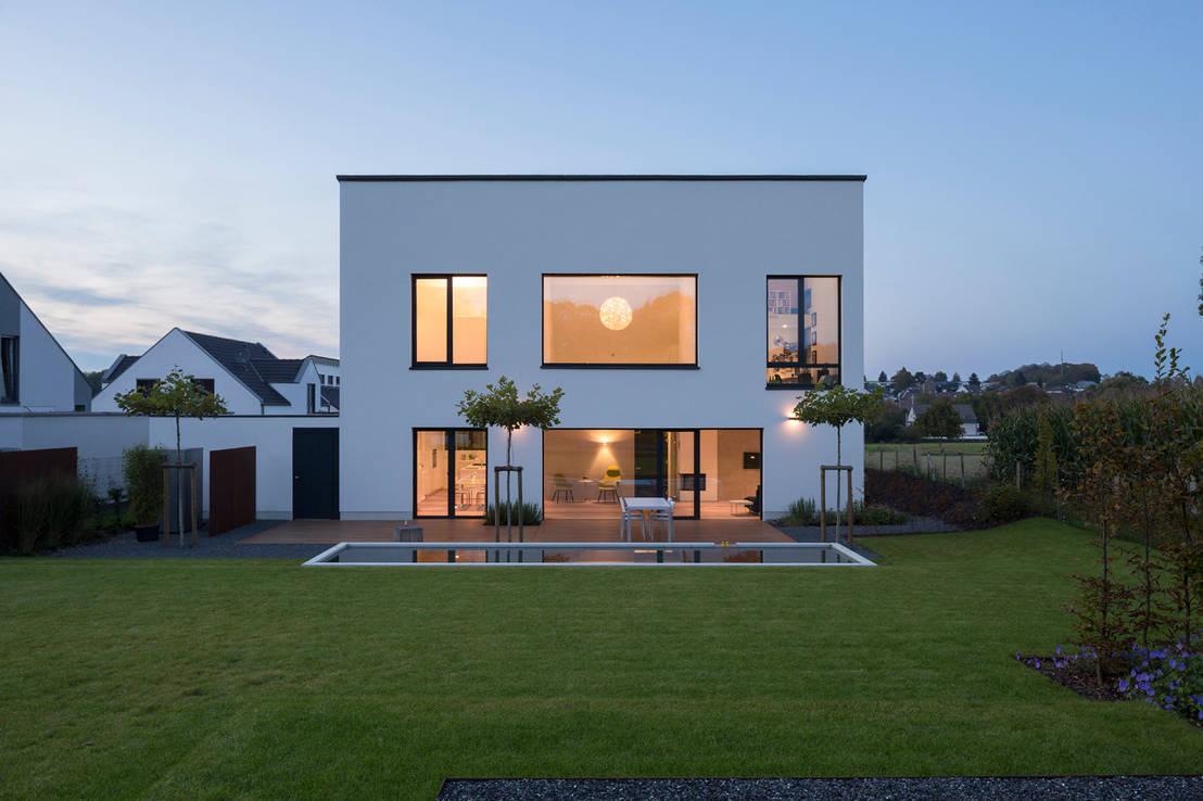 6 nachahmenswerte h user mit flachdach. Black Bedroom Furniture Sets. Home Design Ideas