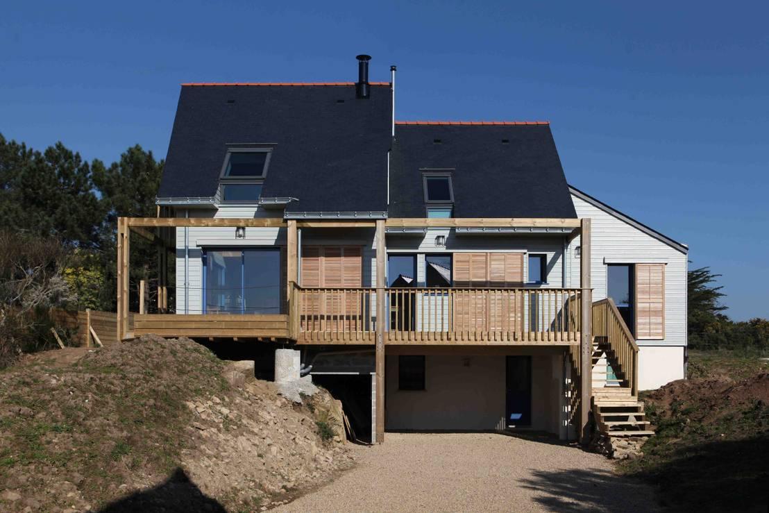 une maison bioclimatique dans le golfe du morbihan par patrice bideau homify. Black Bedroom Furniture Sets. Home Design Ideas