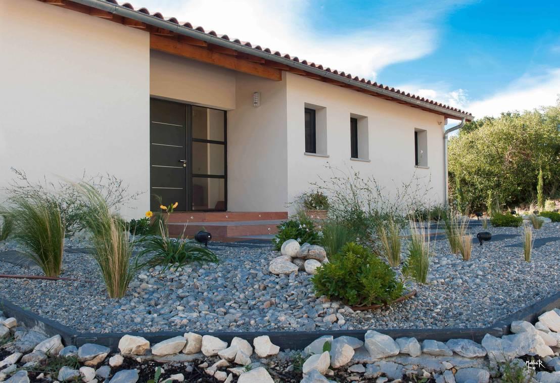 Maison individuelle bbc p chabou par pouget agn s homify for Villas de jardin port glaud