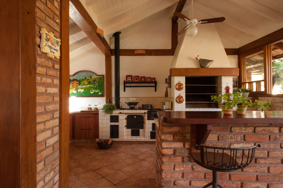 Cucina in mattoni 22 idee spettacolari - Mattoni per cucina ...