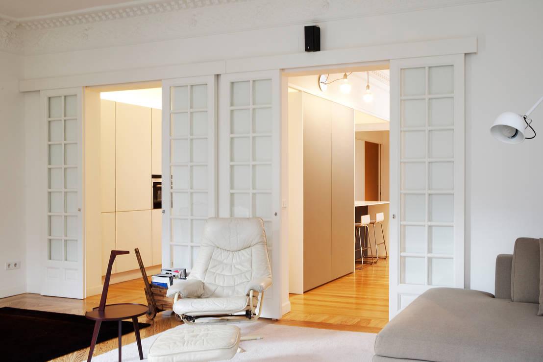 10 puertas de interior geniales para decorar tu hogar for Decorar puertas viejas de interior