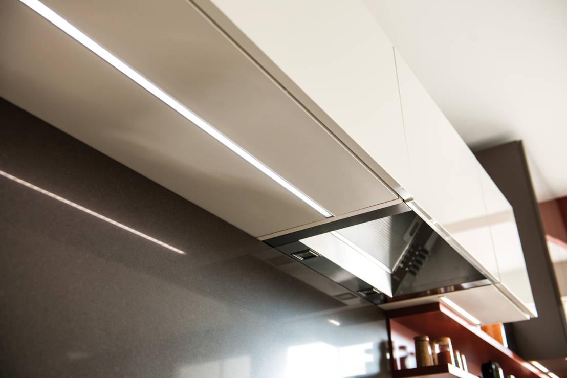 schmidt setzt die k che ins rechte licht von schmidt. Black Bedroom Furniture Sets. Home Design Ideas