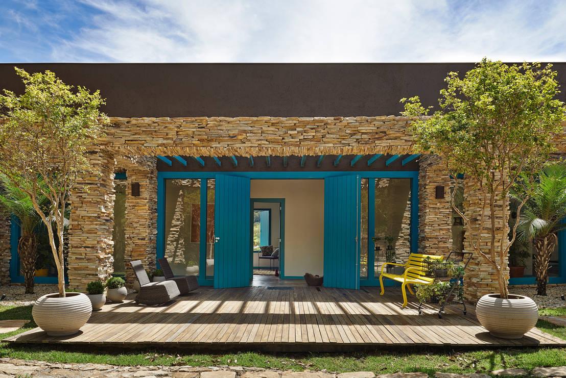 Rivestimenti murali in pietra per interni ed esterni da for Fotos de casas modernas brasileiras