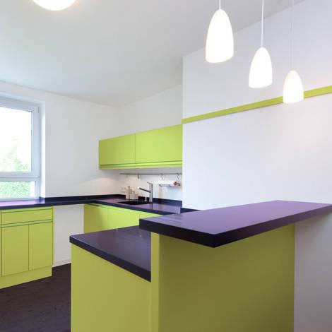 k che mit esstheke m nchen by planung raum design anne batisweiler homify. Black Bedroom Furniture Sets. Home Design Ideas