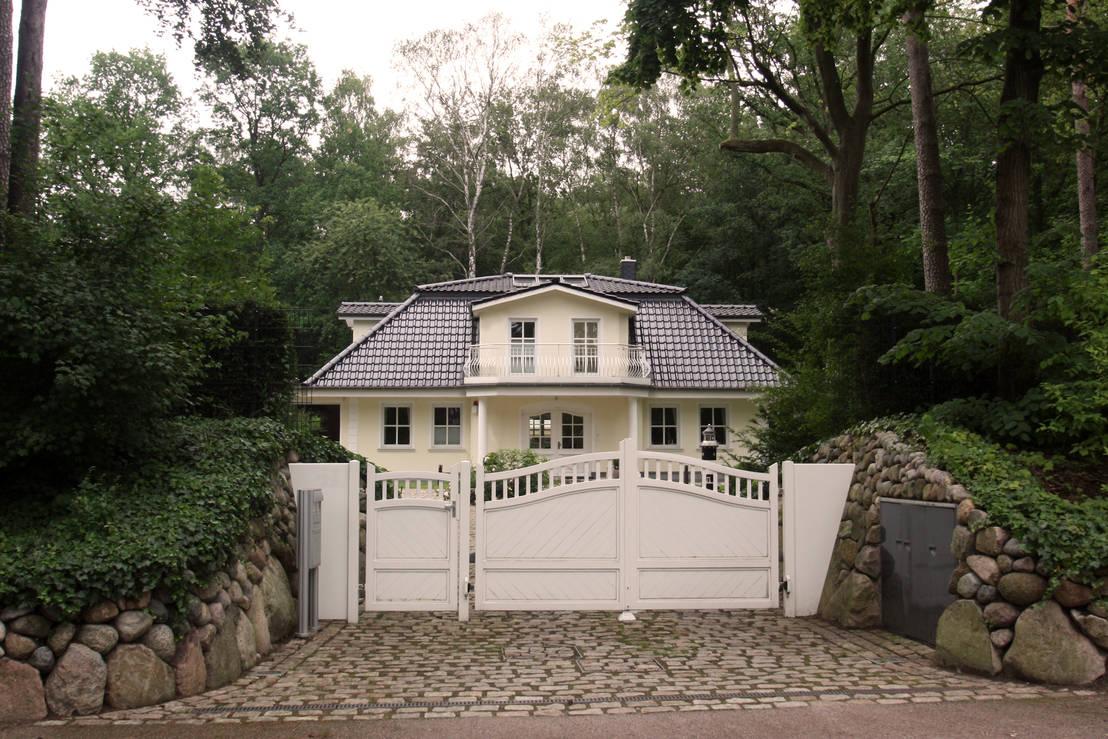 stadtvilla im landhausstil mit mansarddach by im. Black Bedroom Furniture Sets. Home Design Ideas