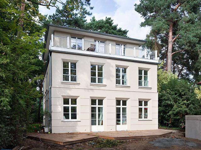 villa in zehlendorf de m llers b ro homify. Black Bedroom Furniture Sets. Home Design Ideas