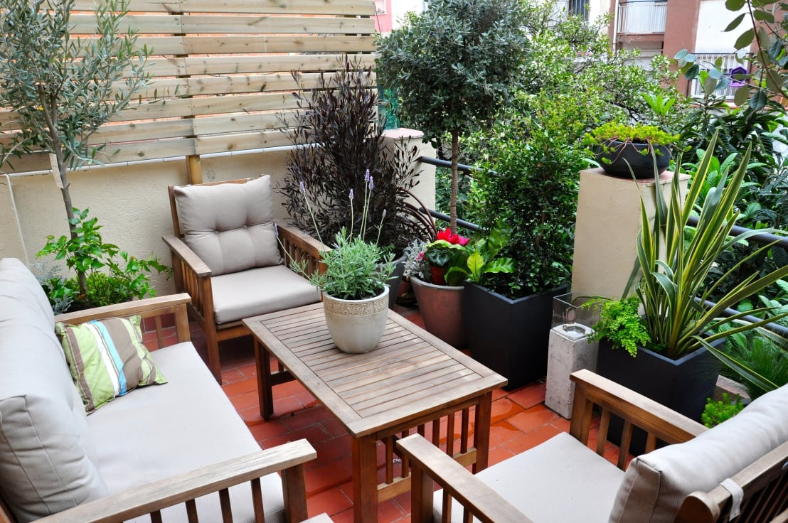 20 cute and creative ideas for your small balcony or terrace for Idea deco terraza de madera