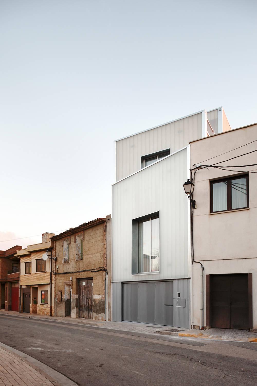 Una casa de pueblo pero moderna - Casa pueblo fotos ...