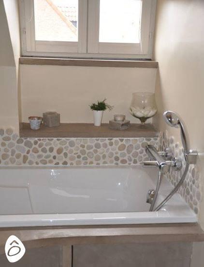 Salle de bain min rale zen by id e logis homify - Idee deco toilet in grijs ...