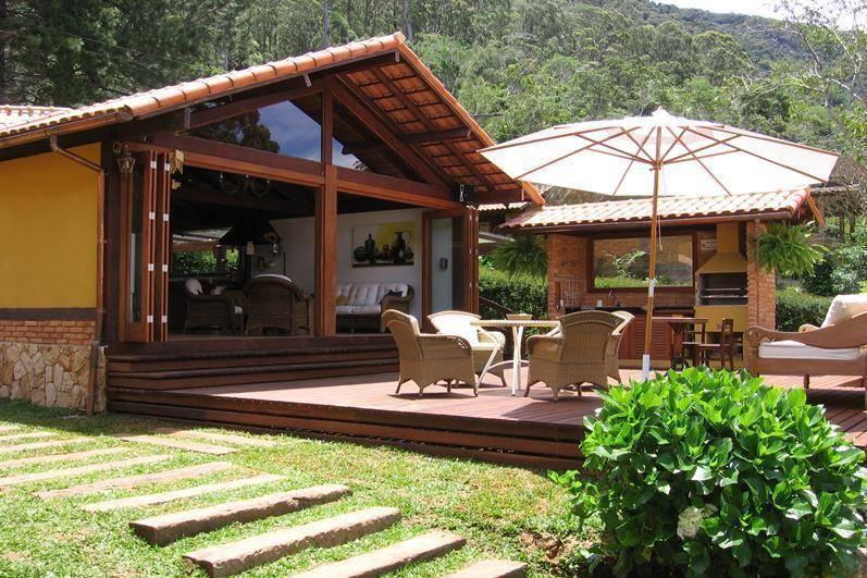 7 ideas de terrazas especialmente para ranchos o casas de - Jardines en casas de campo ...