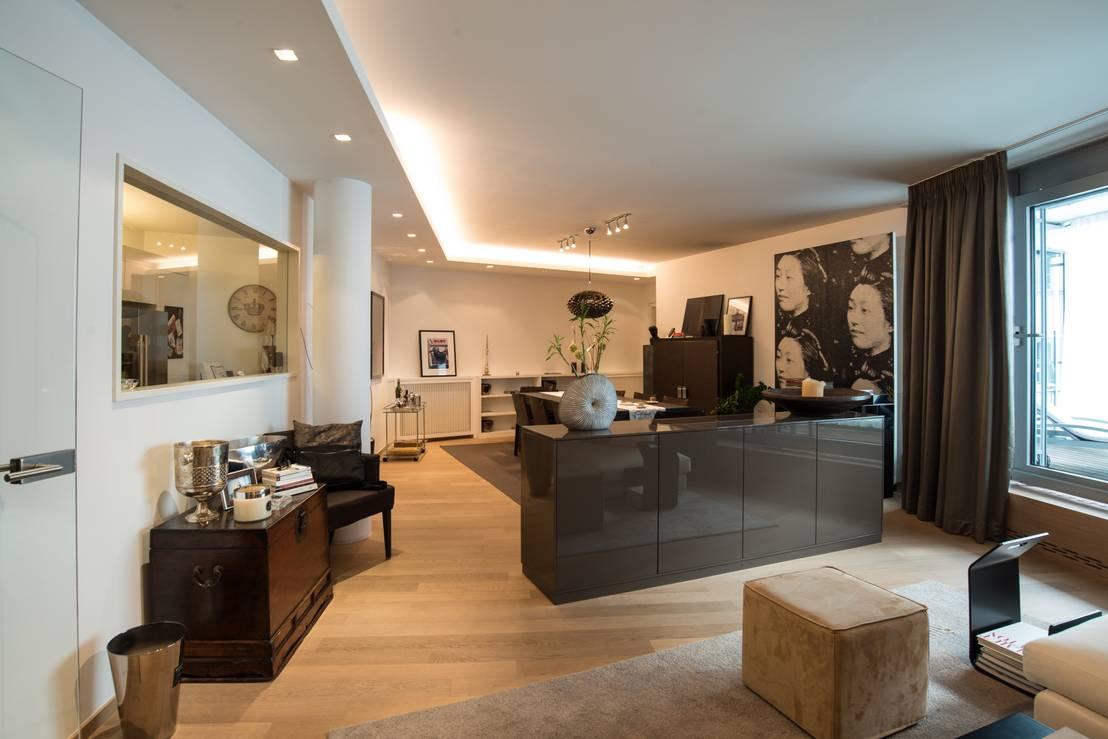 City apartment von elke altenberger interior design consulting homify for Interior decorating consultant